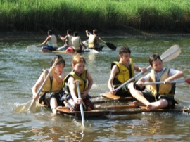 Raft racing