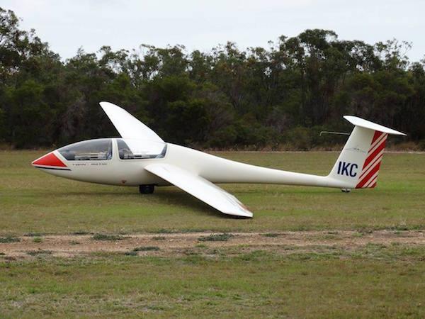 2015-09-12 - bundberg gliding 1